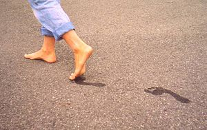 How to Write a Mass Media Article on Barefoot Running