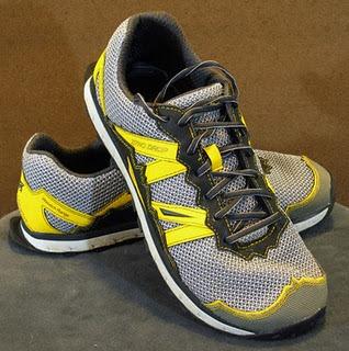 Saucony S  Men S Kinvara  Runshield Running Shoe