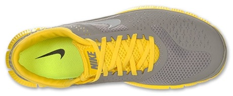 Does Hoka Top Summit Womens Shoe Come In D Wide
