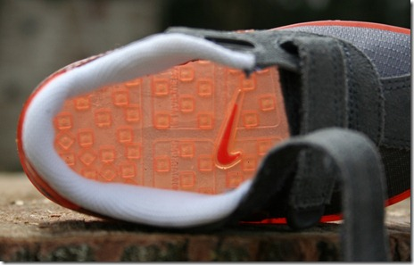 Nike Kid's SMS Roadrunner Insole Removed