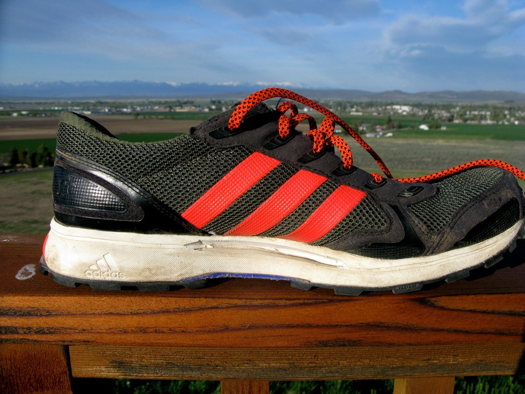 reputable site ffadc 70890 adidas adizero XT 5 Review An adios Designed for the Trail
